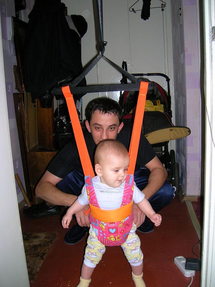 Как сажать ребенка в прыгунки 28