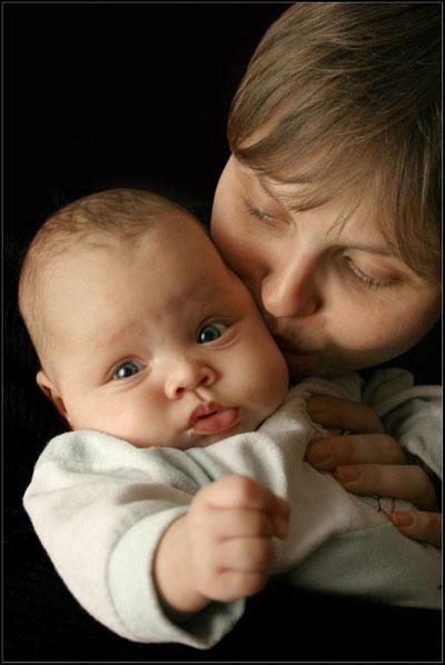 вариация на тему мадонна с младенцем :)