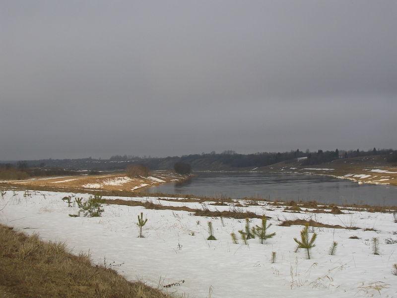 Течет река Волга