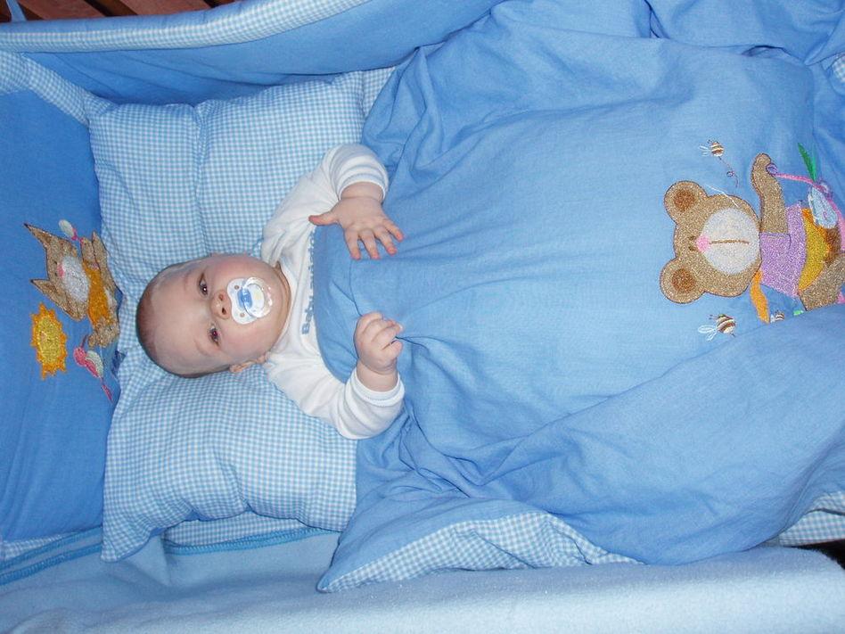 Когда малышу класть подушку