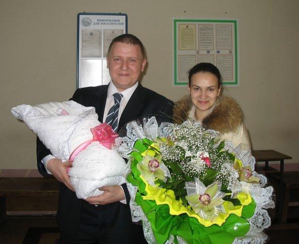 Какие цветы дарят при выписке из роддома