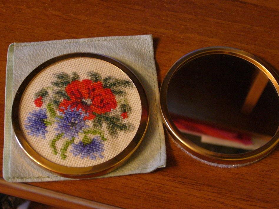 Зеркало вышивка