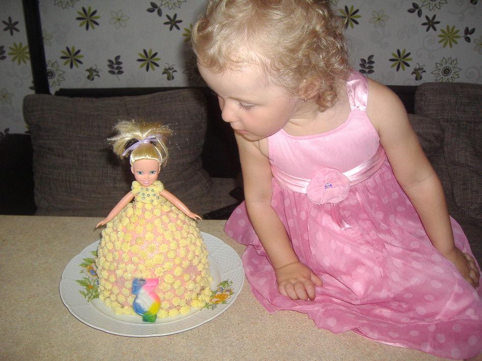 Вот какой у меня торт барби