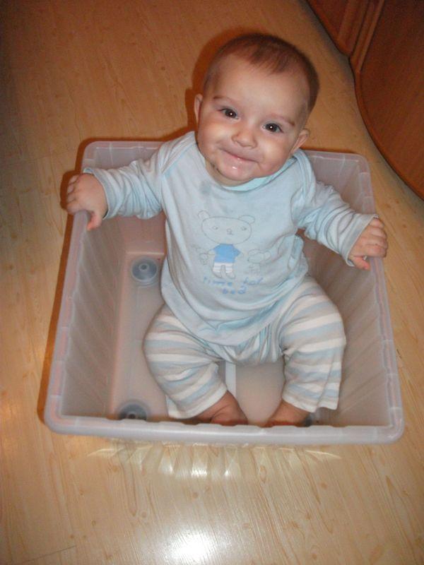 детка в ящике
