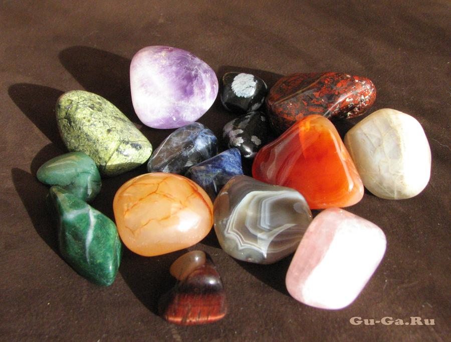 Коллекция самоцветов (полудрагоценных камней)