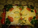 Tort iz lososja iz tosternogo xleba,pomidor i sira.
