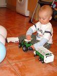 s novim traktorom :)