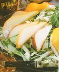 Капустный салат с грушами