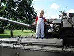 Ну ОЧЕНЬ юный танкист