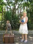 Катюшка с обезьянками
