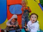 Детки в клетке,точнее в палатке