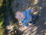 Сыночек под листопадом)))