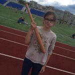 Алиска в лагере на спорт часе)