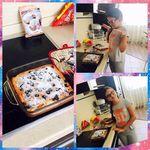 Во время школы,хорошо и шарлотку сготовить!)